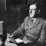 1313395-Le_général_de_Gaulle_au_micro_de_la_BBC_à_Londres